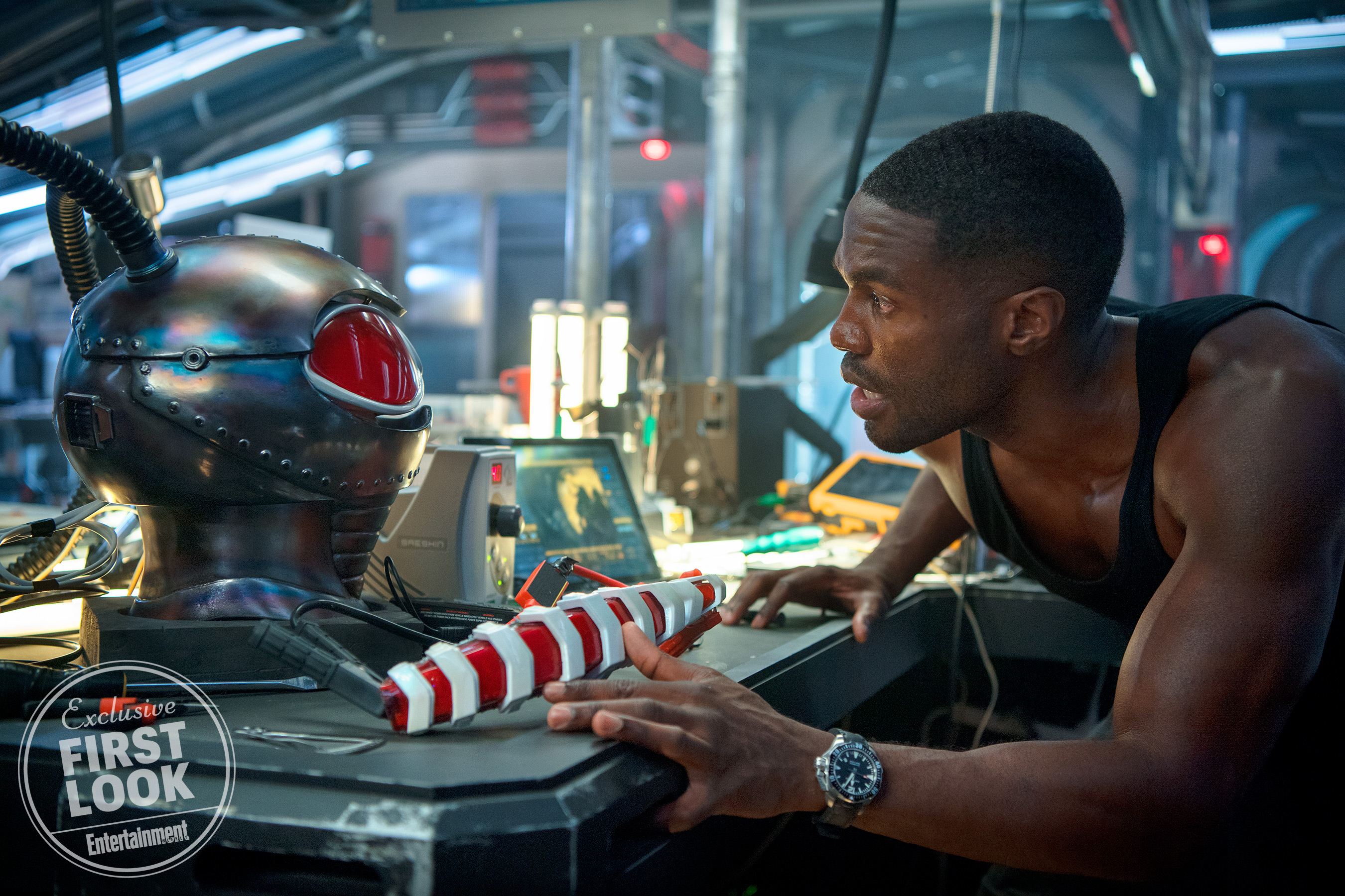 New pics from Aquaman unveil Black Manta