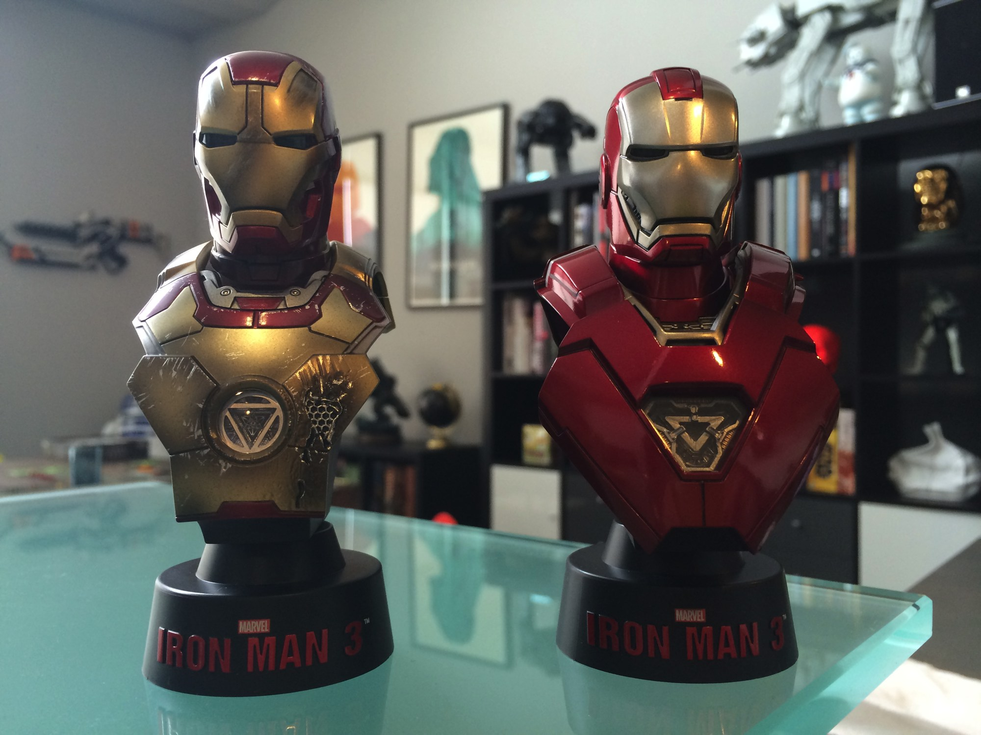 Hot toys iron man 3 mini busts deluxe set cool stuff - Mini iron man ...