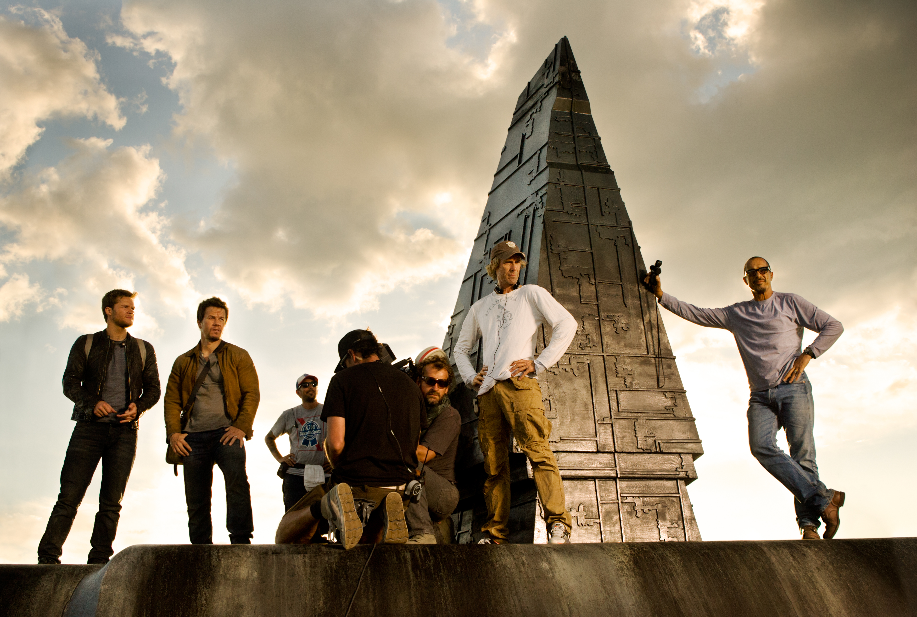 transformers 4' reveals first official photo; dinobot scene shooting