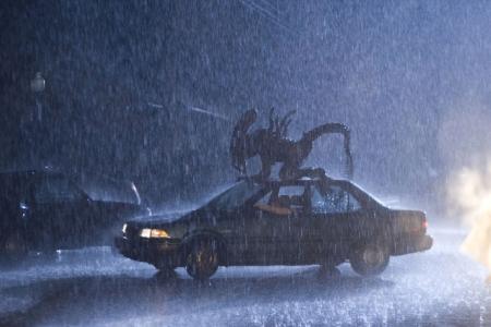 http://www.slashfilm.com/wp/wp-content/images/alien_vs_predator_car_attack.jpg