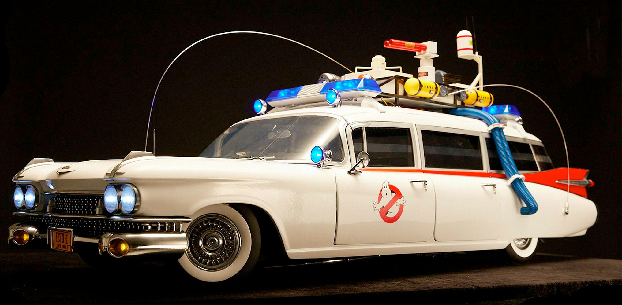 cool stuff blitzway 39 s sixth scale ghostbusters ecto 1 is