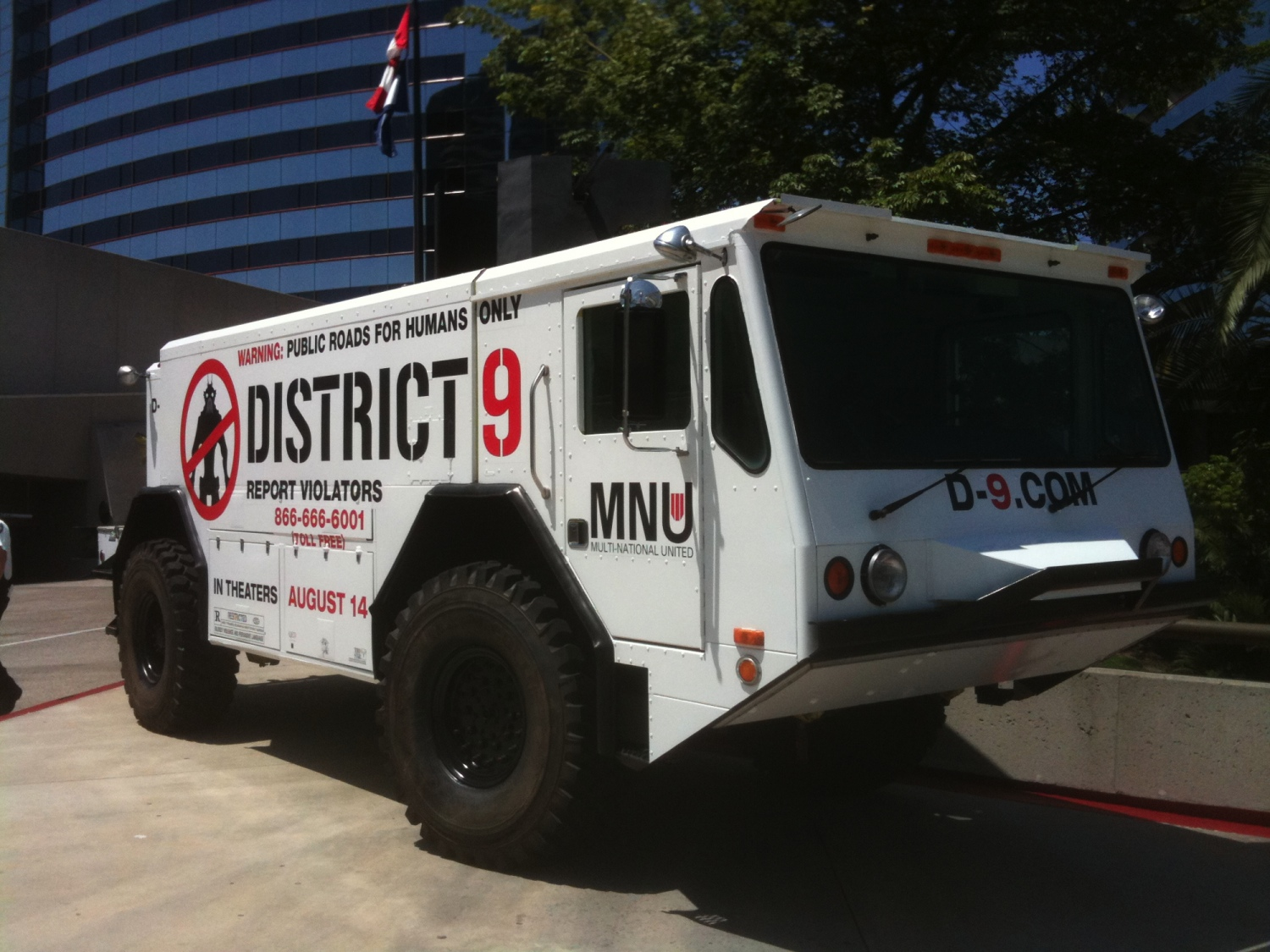 District 9's Comic-Con Truck