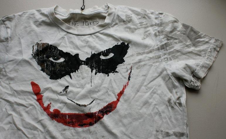 Lo que se esconde debajo del arbol [Zona de Regalos] Jokershirt