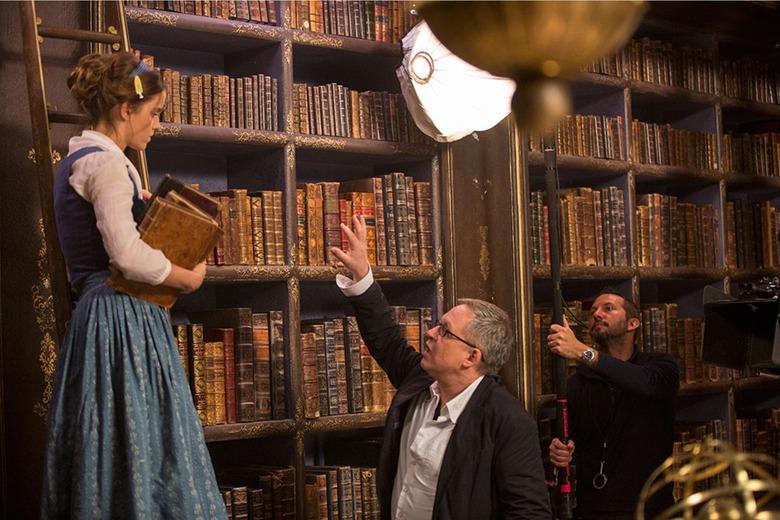 bill condon directing beauty and the beast emma watson on set