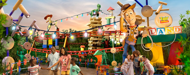 BoxLunch Toy Story Land Tour