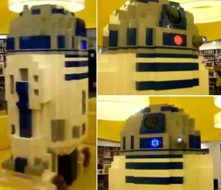 8-Foot Tall R2D2 LEGO