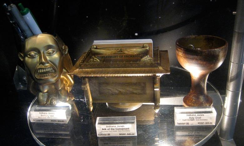 Indiana Jones Desk Accessory Set