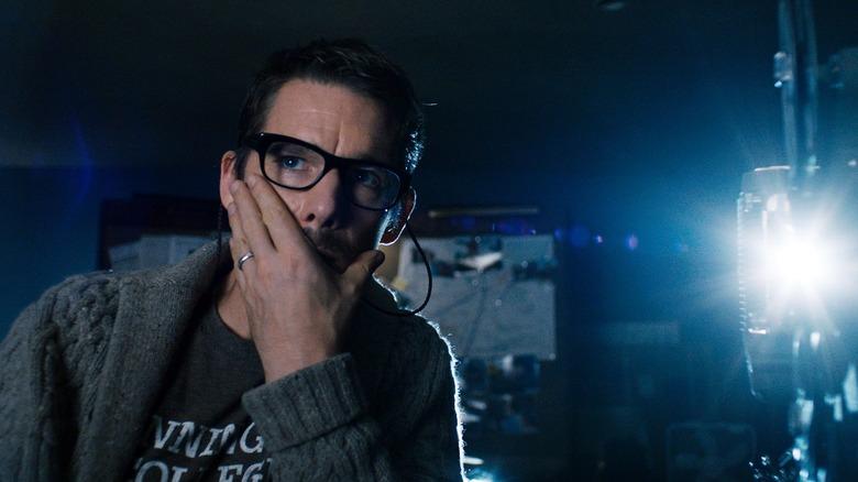 Ethan Hawke Talks Moon Knight, Says Oscar Isaac Gives An  Absolutely Phenomenal  Performance