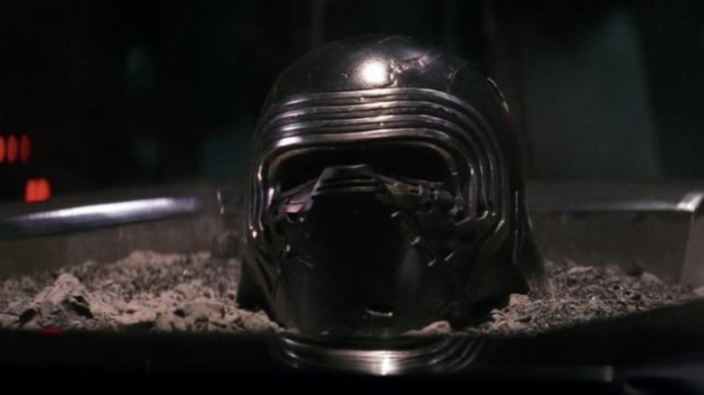 Kylo Ren helmet ashes