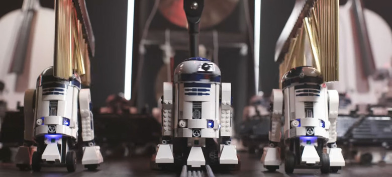 LEGO Droids Play the Star Wars Theme