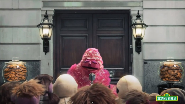 Sesame Street - The Hungry Games Catching Fur