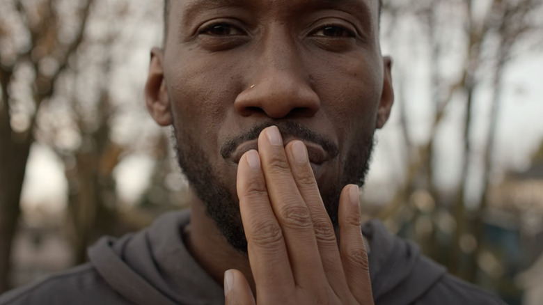 Mahershala Ali Sci-Fi Drama Swan Song Will Premiere In Theaters And On Apple TV On The Same Day