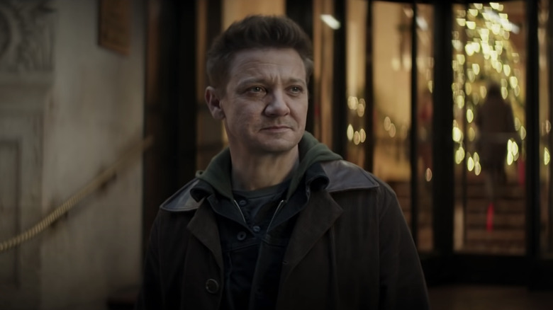 New Hawkeye Image Shows Off Clint And Kate And Bows And Arrows