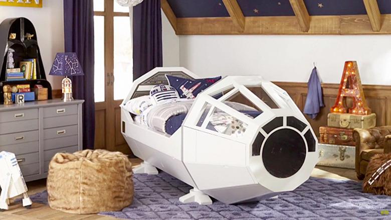 Star Wars - Millennium Falcon Bed