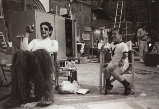 Vintage behind the scenes photo: Peter Mayhew and Kenny Baker on the set of The Empire Strikes Back