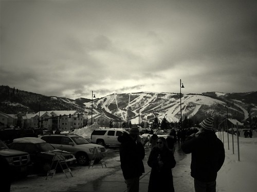 Photo: waiting for a bus outside the Eccles Theater #sundance
