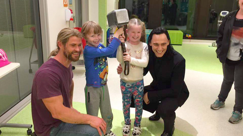 Chris Hemsworth - Tom Hiddleston - Children's Hospital