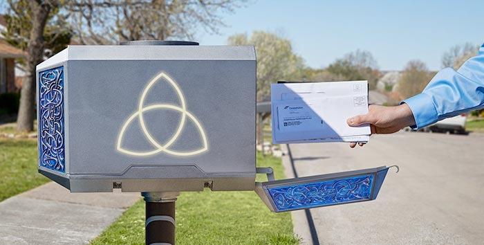 Thor Mjolnir Mailbox - ThinkGeek