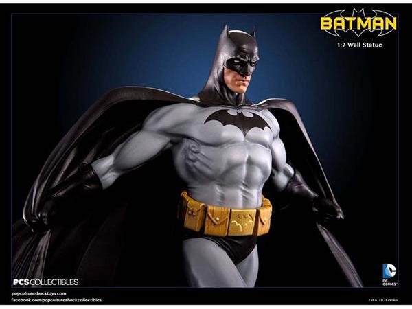 Batman wall statue 2