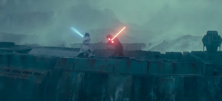 the rise of skywalker flashing lights