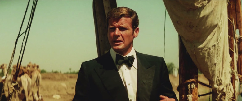 Roger Moore Spectre trailer