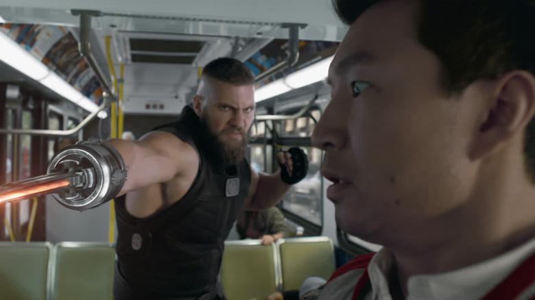 Shang-Chi bus