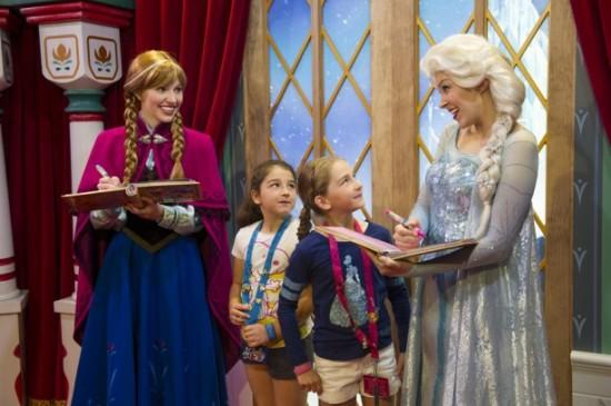 Elsa Anna Frozen Disney World