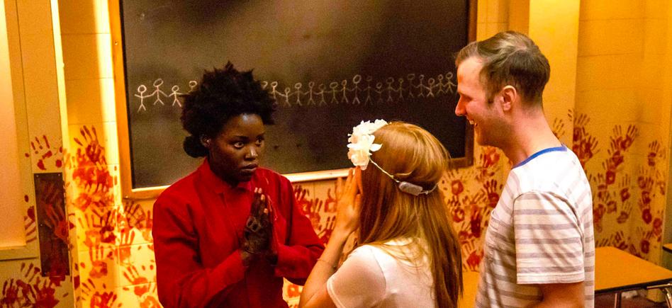Lupita Nyong O Visitied The Halloween Horror Nights Us Maze Film