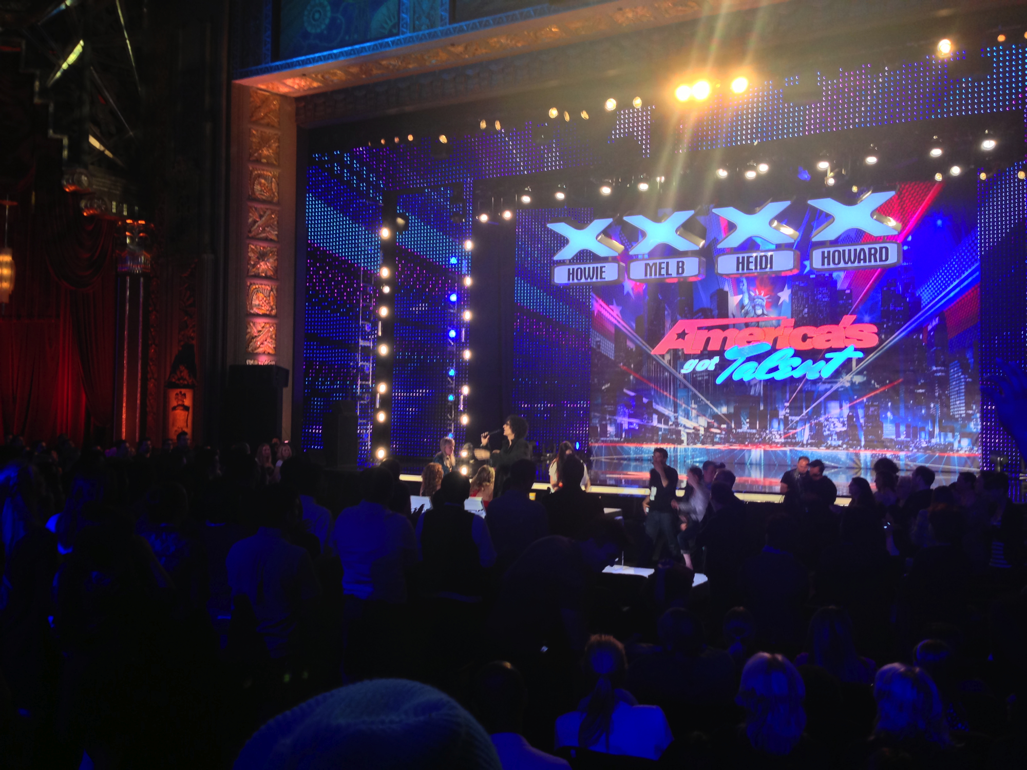 """Howie Mandel """"Catches"""" Comedian Stealing Another Comic's Material During 'America's Got Talent' Taping? – /Film"""