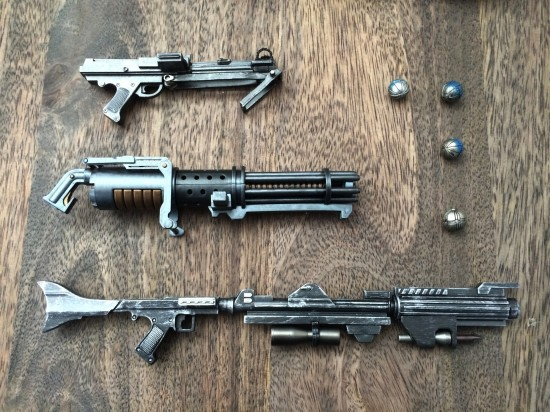 Sideshow Star Wars Clone Trooper Deluxe weapons