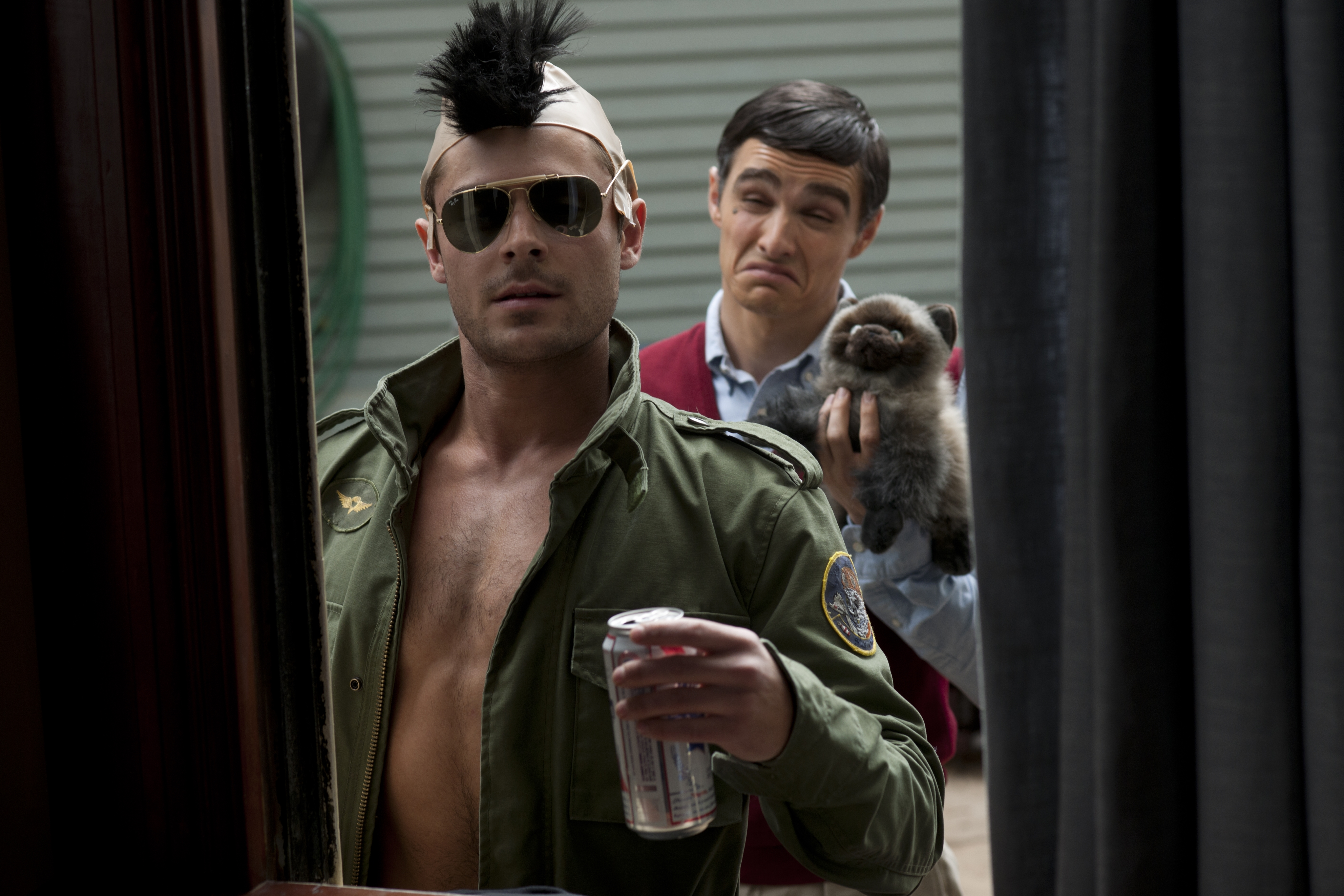 'Neighbors' Red-Band Trailer: Seth Rogen and Zac Efron Face Off – /Film