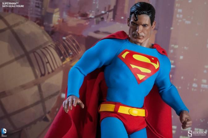 Superman 6th scale