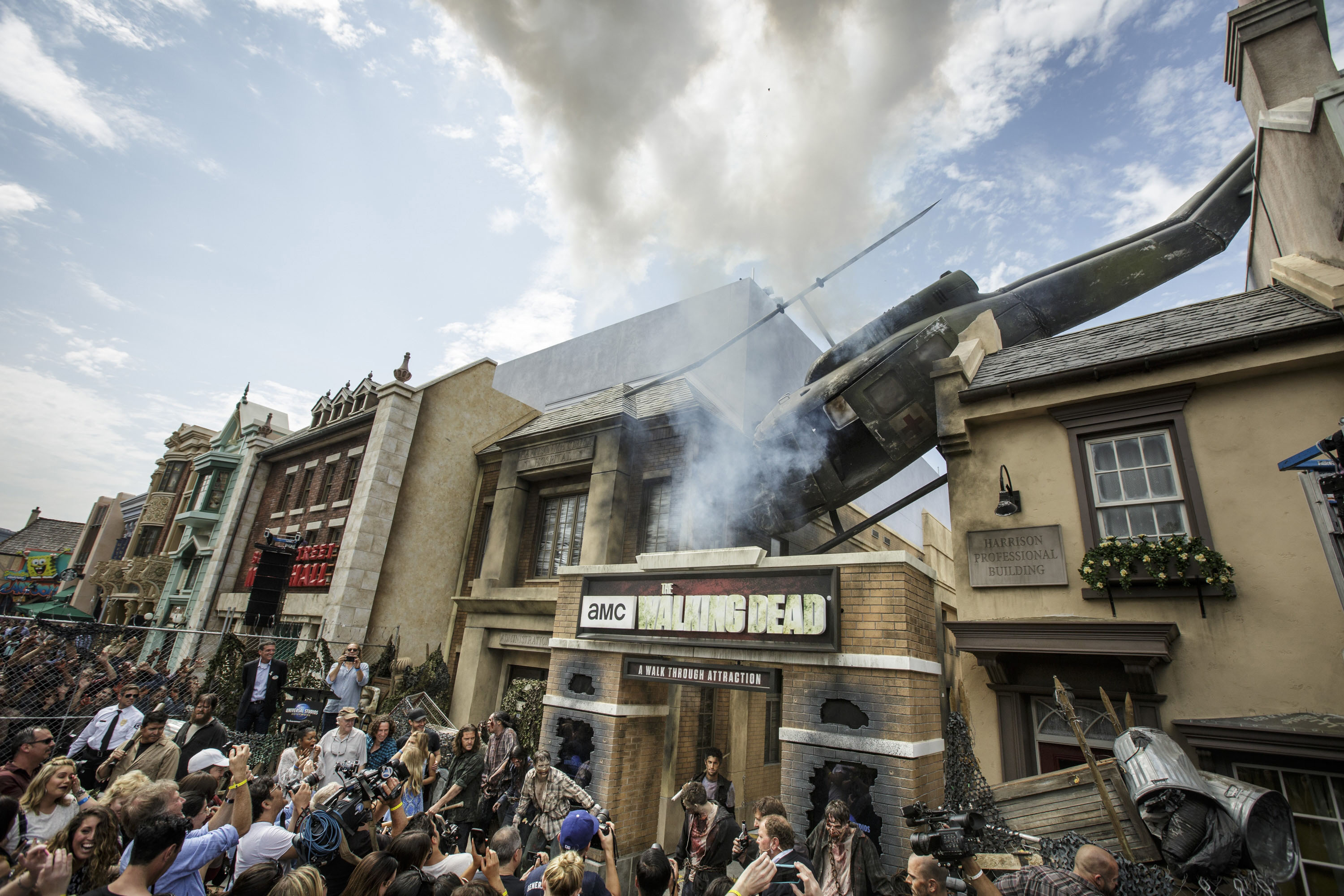 Universal Studios' Walking Dead Attraction Opens Doors VIDEO