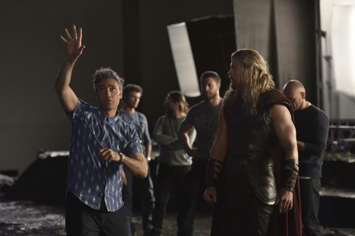 Thor Ragnarok BTS - Taika Waititi and Chris Hemsworth