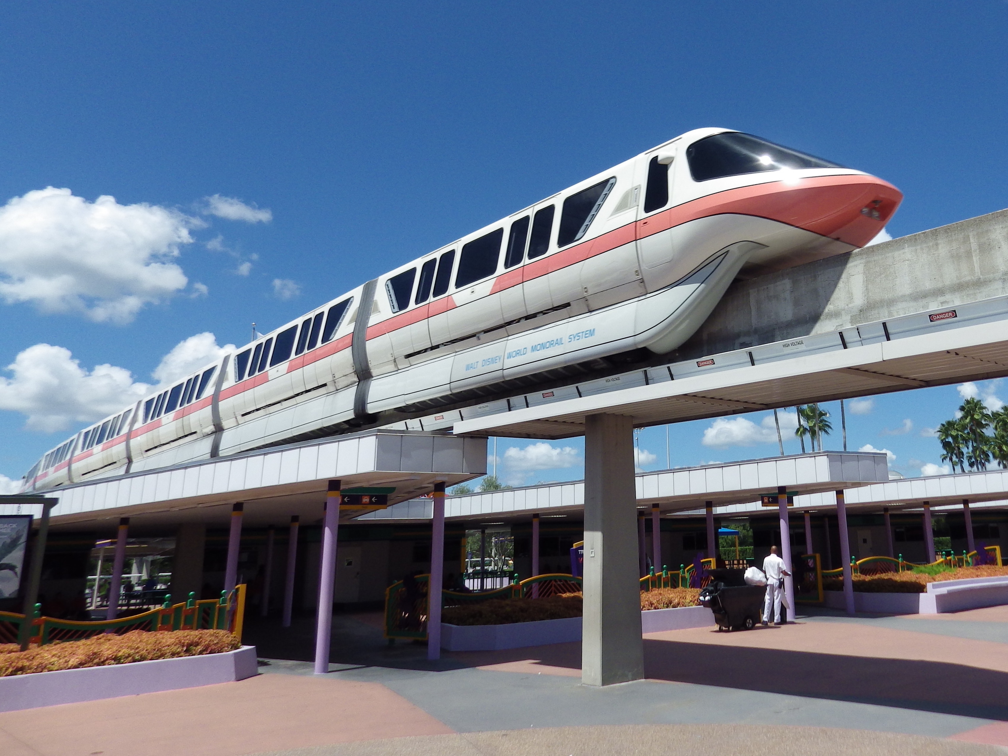 Theme Park Bits A Terrifying Monorail Trip And Star Wars