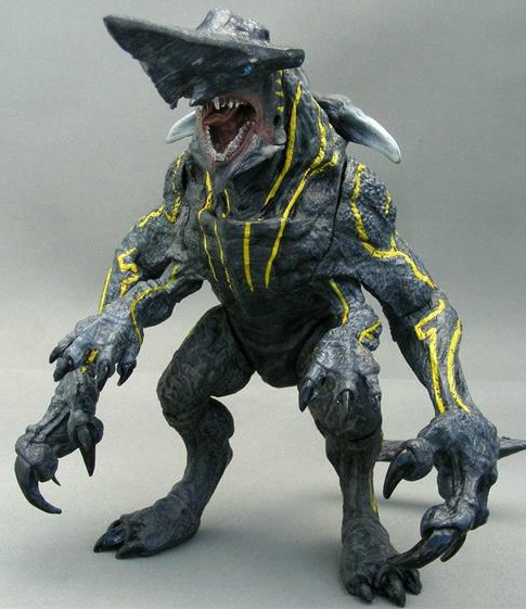 "Pacific Rim 18"" Knifehead Kaiju Toy"