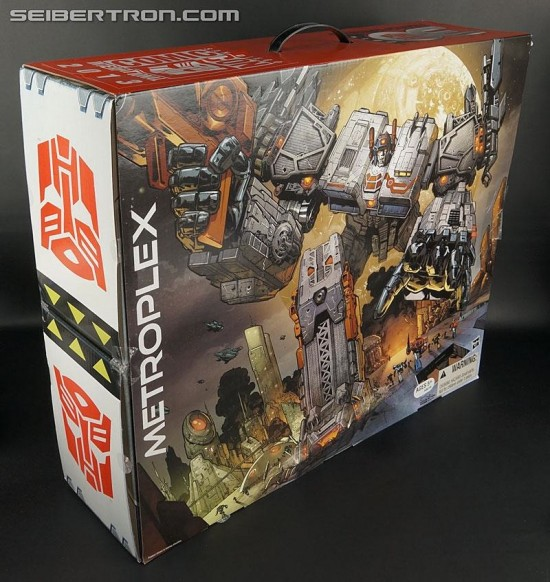 Hasbro Selling a 2-Foot Tall TRANSFORMERS Metroplex SDCC 2013 Exclusive Figure