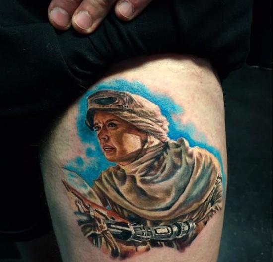 Star Wars: The Force Awakens: Rey on her speeder tattoo