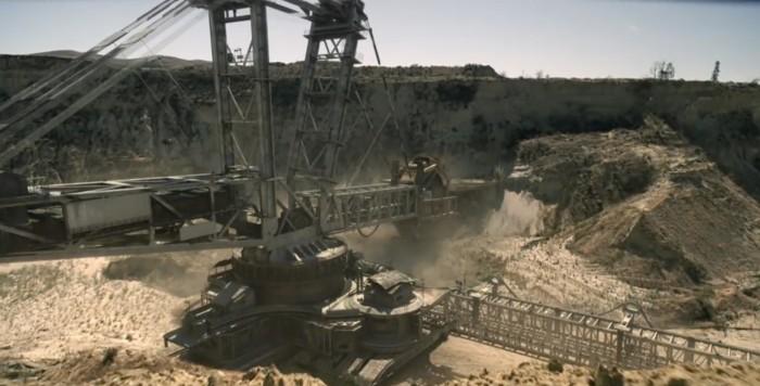 Westworld giant machine