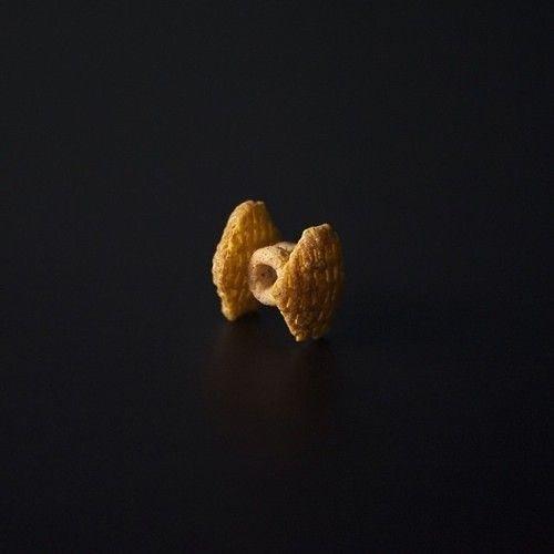 2 Crispex + 2 Cheerios = Cereal TIE Fighter