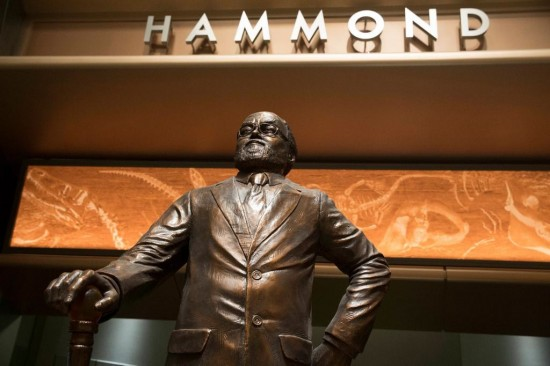 New Jurassic World Photo Reveals Richard Attenborough Tribute John Hammond Statue