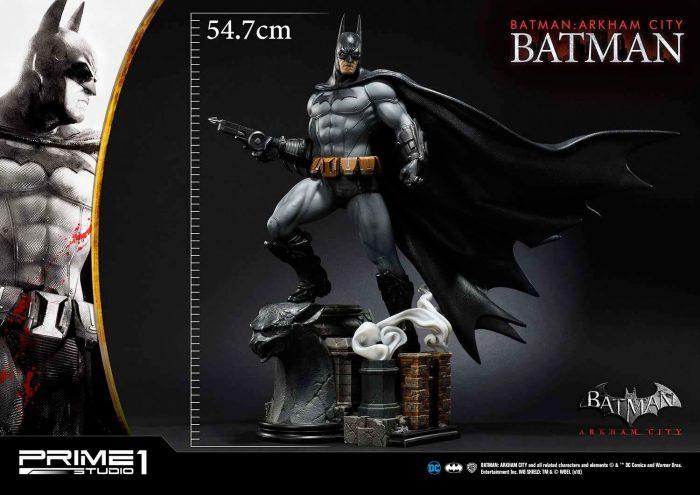 Batman: Arkham City Statue