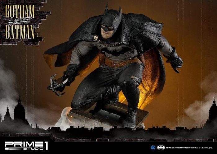 Batman: Arkham Origins - Gotham By Gaslight Statue