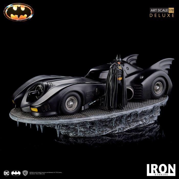 Batman - Batmobile Statue