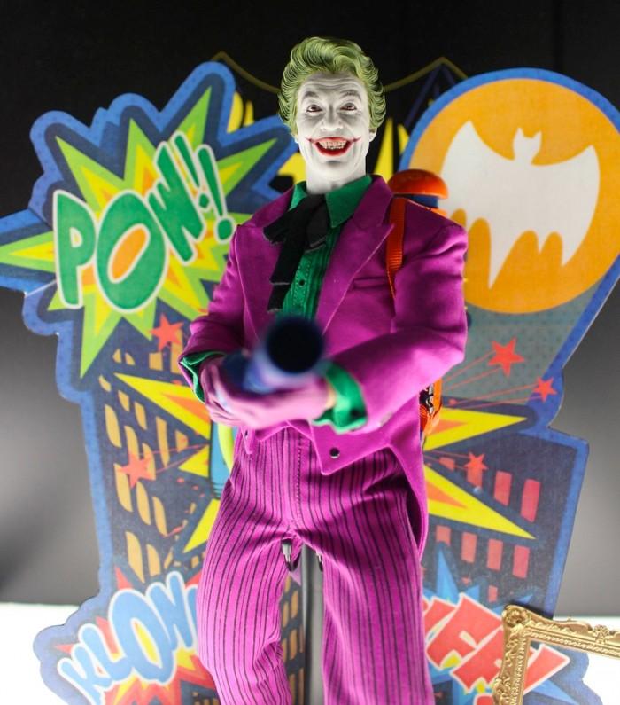 Hot Toys Batman 1966 The Joker