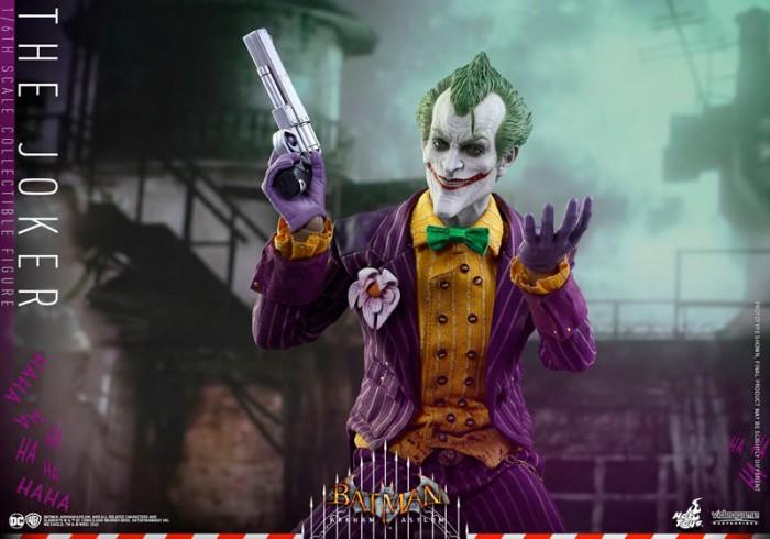 Batman Arkham Asylum - The Joker Hot Toys Figure