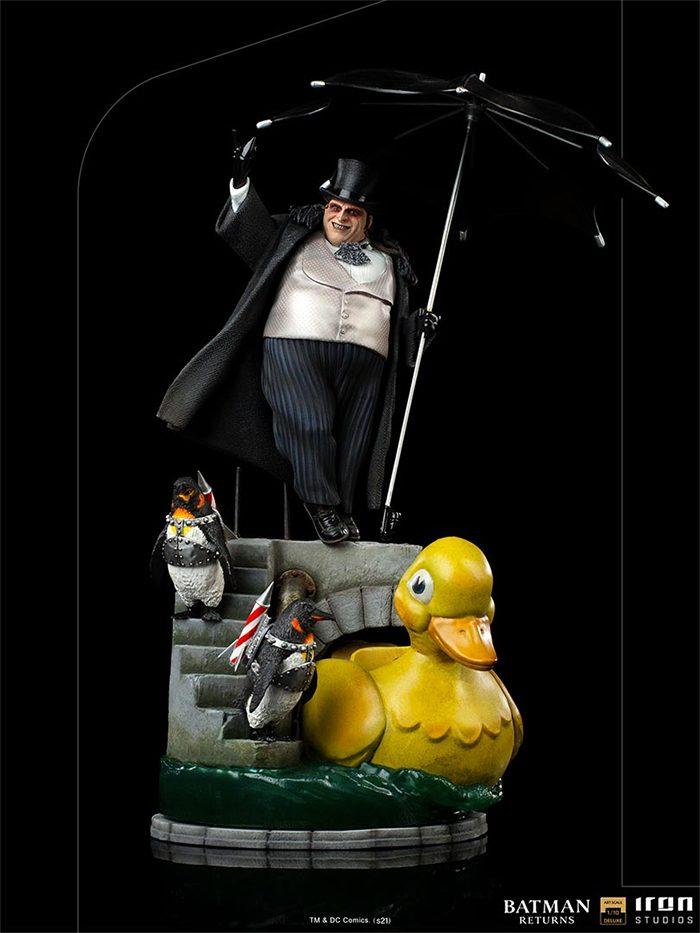 Batman Returns - Penguin Statue
