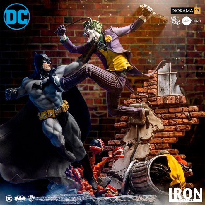 Batman v Joker Statue