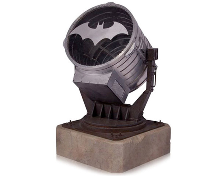 batsignal-prop-light