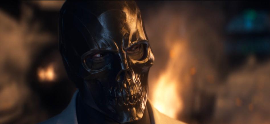 Birds Of Prey Cast Considering Ewan Mcgregor For Black Mask Film